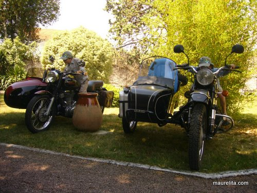 Sidecar_ural_royal-enfield