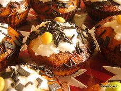 Koristeltu-muffin